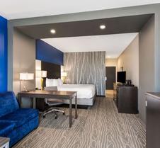 La Quinta Inn & Suites by Wyndham Odessa N. - Sienna Tower