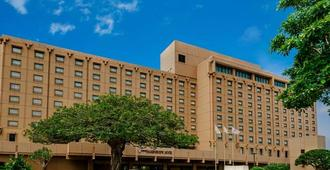 Okinawa Harborview Hotel - Naha - Building