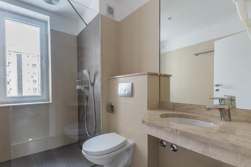 Hotel Royal Inn - Belgrade - Bathroom