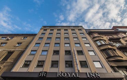 Hotel Royal Inn - Belgrade - Building