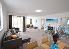 Morisset Serviced Apartments - Dora Creek - Wohnzimmer