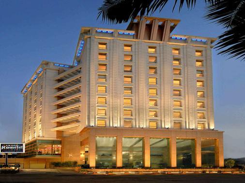 Grand Hometel Malad - Mumbai - Rakennus
