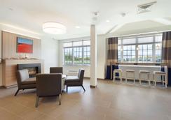 Microtel Inn & Suites by Wyndham Georgetown Delaware Beaches - Georgetown - Lobby