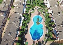 Casa Cinco Dormitorios Acceso Playa - Costa Ballena - Pool