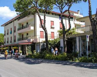 Hotel Cavallino Bianco - Cavallino Treporti - Building