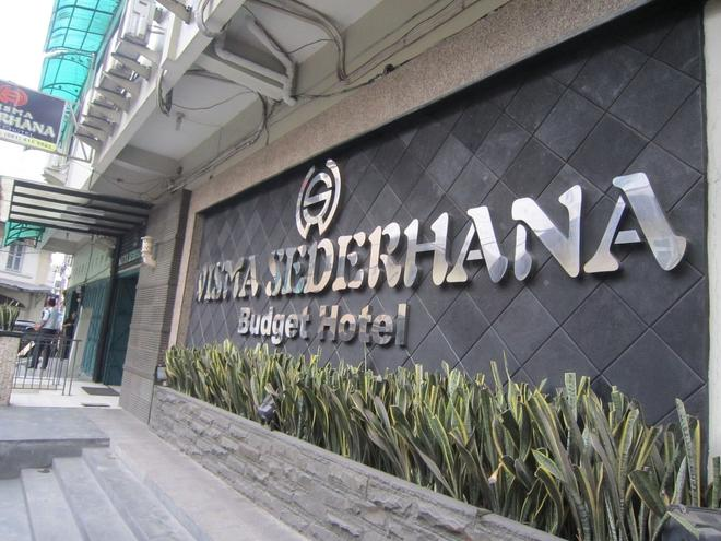 Wisma Sederhana Budget Hotel - Medan - Näkymät ulkona
