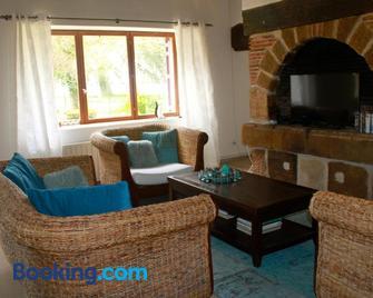 La Grande Maison de Pont Lung - Ygrande - Living room