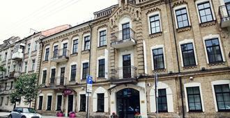City Hotels Algirdas - וילנה - בניין