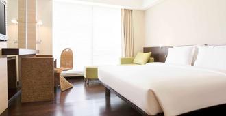 Novotel Manado Golf Resort & Convention Center - מאנאדו