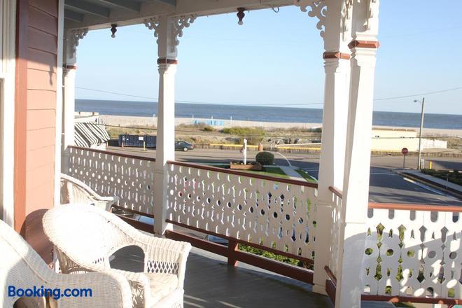 Angel of the Sea - Cape May - Balcony