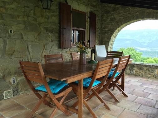 Week end en Provence - Chambres d'hotes - Comps - Patio
