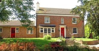 Yew Tree Farm - Milton Keynes - Edificio
