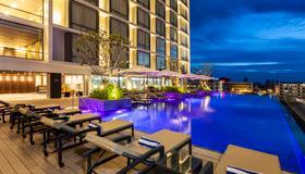 Crowne Plaza Vientiane - Vientiane - Pool