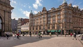 County Hotel - Newcastle upon Tyne - Building