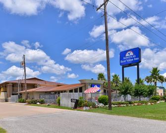 Americas Best Value Inn Angleton - Angleton - Building