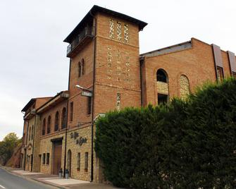 Hotel Bodega La Casa Del Cofrade - Logroño - Building