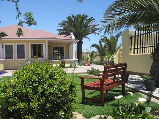 Cornerstone Guesthouse - Swakopmund - Patio