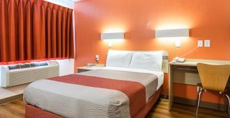 Motel 6 Longview, TX - Longview - Bedroom