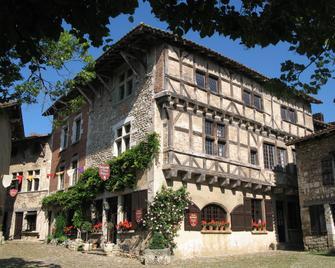 Hostellerie De Pérouges - Perouges - Building