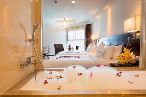 Premier Havana Nha Trang Hotel - Nha Trang - Bathroom