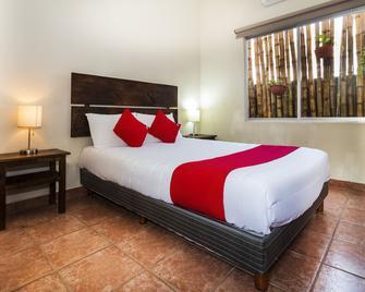 Hotel Puerta De Jade - Ciudad Valles - Спальня