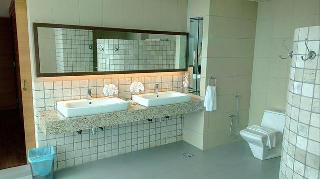 Swan Garden Hotel - Malakka - Kylpyhuone