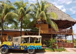 Wasai Puerto Maldonado Hostel - 馬爾多納多港 - 建築
