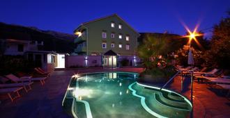 Hotel Aruba - Μπούντβα - Πισίνα