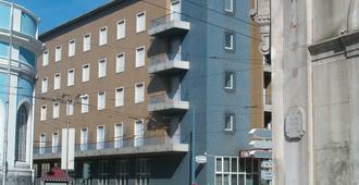 Hotel Bragança - קוימברה - בניין