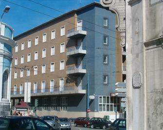 Hotel Braganca - Coimbra - Building