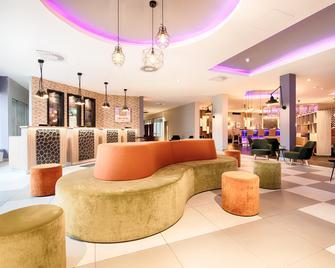 Leonardo Hotel Wolfsburg City Center - Вольфсбург - Лоббі