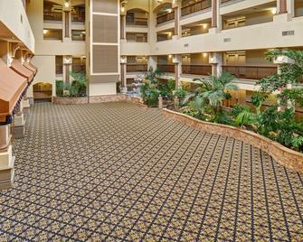 Radisson Hotel El Paso Airport - El Paso - Building