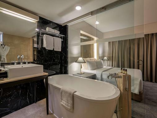 Pullman Jakarta Indonesia Thamrin Cbd - Jakarta - Bathroom