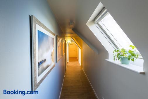 Lakeland House - Cong - Hallway