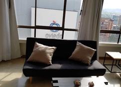 Alcazar de Oviedo by Nomad Guru - Medellín - Living room