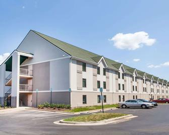 Days Inn by Wyndham Lanham Washington D.C - Lanham - Building