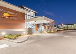 Macquarie 4 star - Charlestown - Building