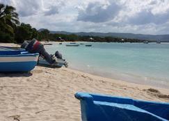B&B Keisyalba Punta Rucia - Villa Isabela - Beach