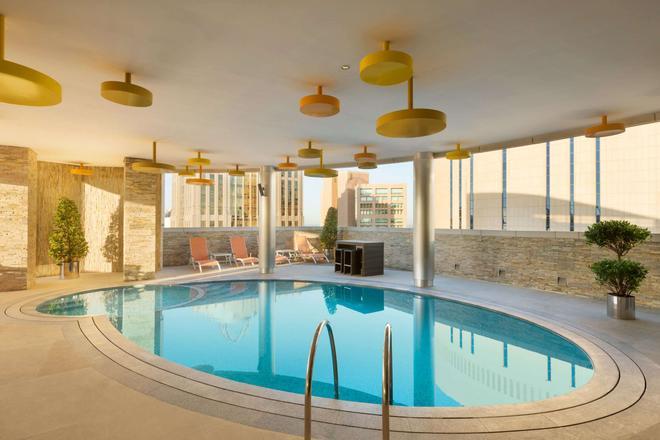 Tryp By Wyndham Abu Dhabi City Center - Abu Dhabi - Pool
