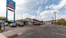 Studio 6 San Antonio, Tx - Ft Sam Houston Area - San Antonio - Bâtiment