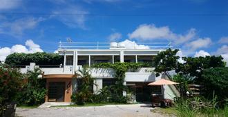 Shiraho Friends House - Ishigaki - Building