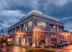 Concept Hotel - Zamora de Hidalgo - Edificio