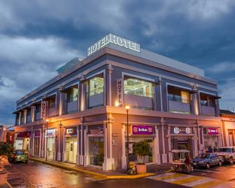 Concept Hotel - Zamora - Building