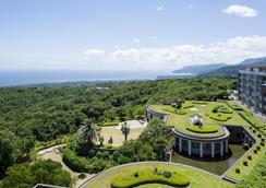 Hotel Villa Fontaine Village Izukogen - Ito - Vista del exterior