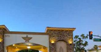 Thunderbird Lodge in Riverside - Riverside - Toà nhà