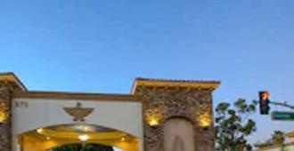Thunderbird Lodge in Riverside - Riverside - Building
