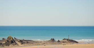 The Edgcumbe - Bude - Beach