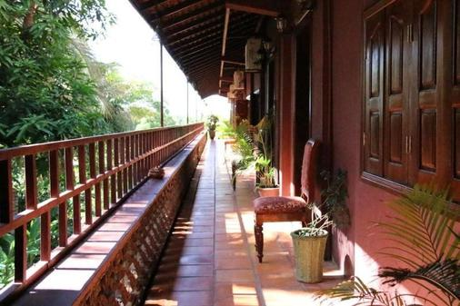 Angkor Spirit Palace - Siem Reap - Balcony