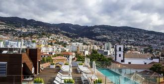 Castanheiro Boutique Hotel - Funchal - Piscina