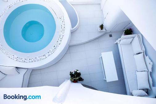 Infinity Suites & Dana Villas - Firostefani - Balcony